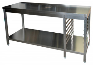 Arbeitstisch mit Grundboden, 7 Auflagewinkel GN1/1 rechts - 2900 mm x 800 mm x 850 mm