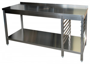Arbeitstisch mit Grundboden, 7 Auflagewinkeln GN1/1 rechts und Aufkantung - 1400 mm x 800 mm x 850 mm
